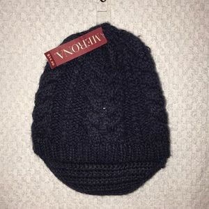 Black / deep blue Merona beanie with brim